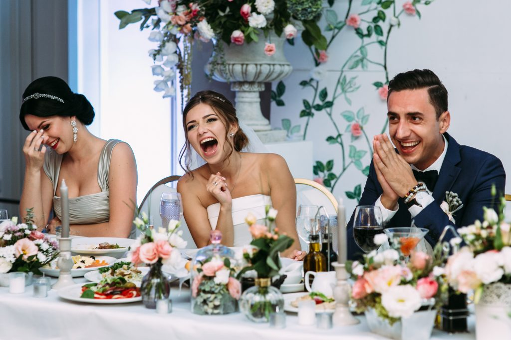 toasts and speeches reactions - 12 photos you'll regret not taking on your wedding day - The Wedding Club