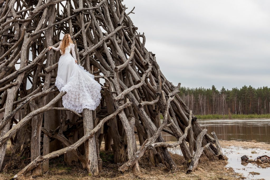 Adventurous photos - 12 photos you'll regret not taking on your wedding day - The Wedding Club
