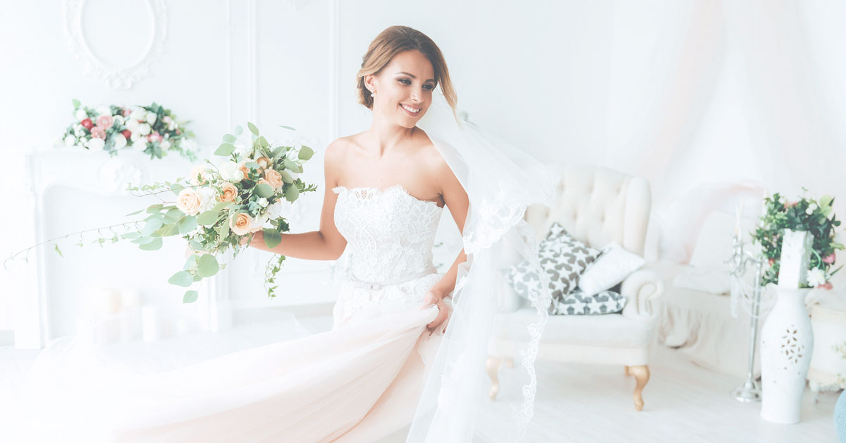 10+ Dreamy wedding dresses you'll love from Etsy